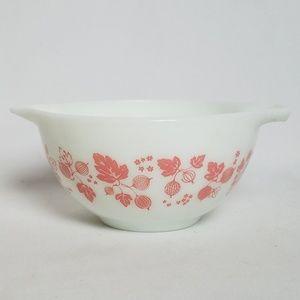 Pyrex Pink gooseberry Cinderella Mixing bowl 1.5pt